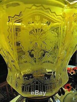 A Superb Etch Primrose Victorian Twin Duplex Oil Lamp Shade