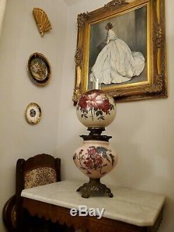 ANTQ c. 1880's GLASS KEROSENE OIL GWTW HANDPAINTED BANQUET PARLOR VICTORIAN LAMP