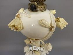 EXCELLENT MOORE Bros ENGLISH PORCELAIN OIL LAMP CIRCA 1870-80 No1