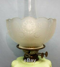 Electric or Oil Antique Green Veritas Oil Lamp Bow Ties on Font Double Burner