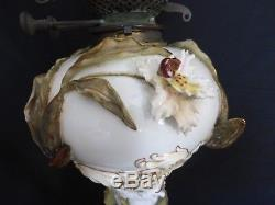 LOVELY MOORE Bros ENGLISH PORCELAIN ORCHIDS OIL LAMP CIRCA 1870-80 No2