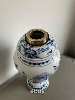 Meissen blue white antique oil lamp. Silver plate Hinks