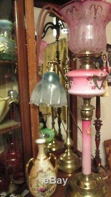 Outstanding Victorian oil lamp