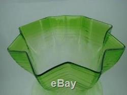Victorian Emerald Green Beautifully Etched Glass Tulip Oil Lamp Shade 4 Fitter