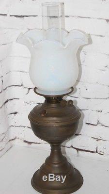 Victorian Opalescent / Vaseline Oil Lamp & Shade -pl-4132